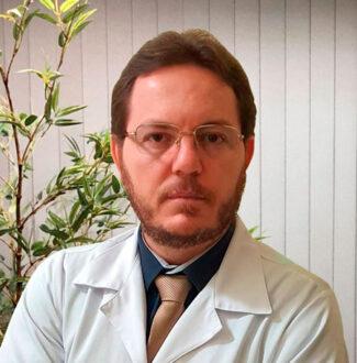 DR. MOISÉS ALCÂNTARA